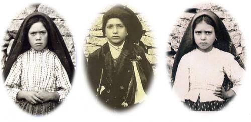 I tre pastorelli, Lucia 10 anni, Francesco 9 anni e Giacinta 7 anni.