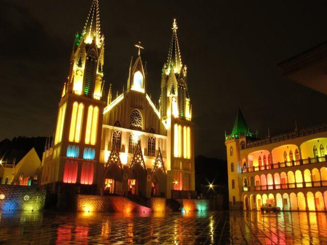 basilica-nostra-signora-del-rosario-vista-noturnajpg