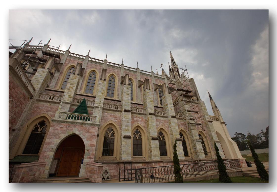 chiesa-del-centro-mariano-degli-araldi-del-vangelo-15